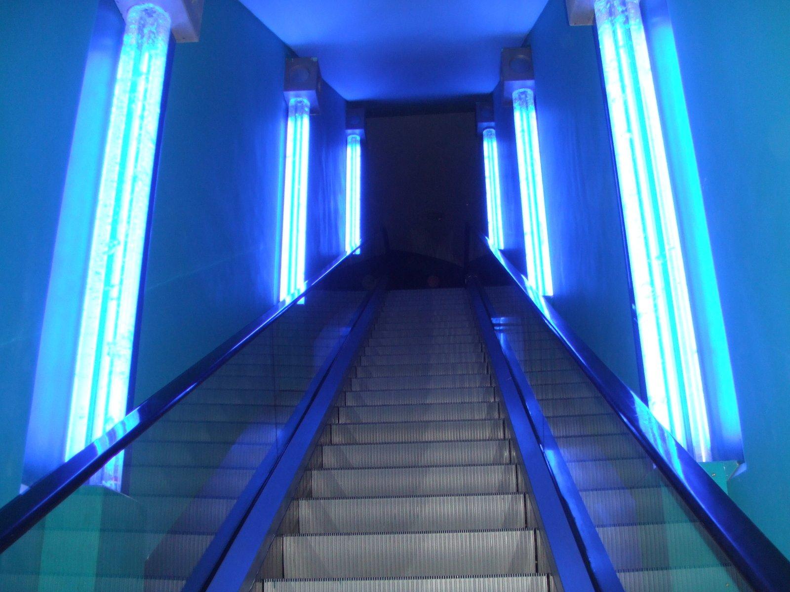 Эскалатор с подсветкой без смс