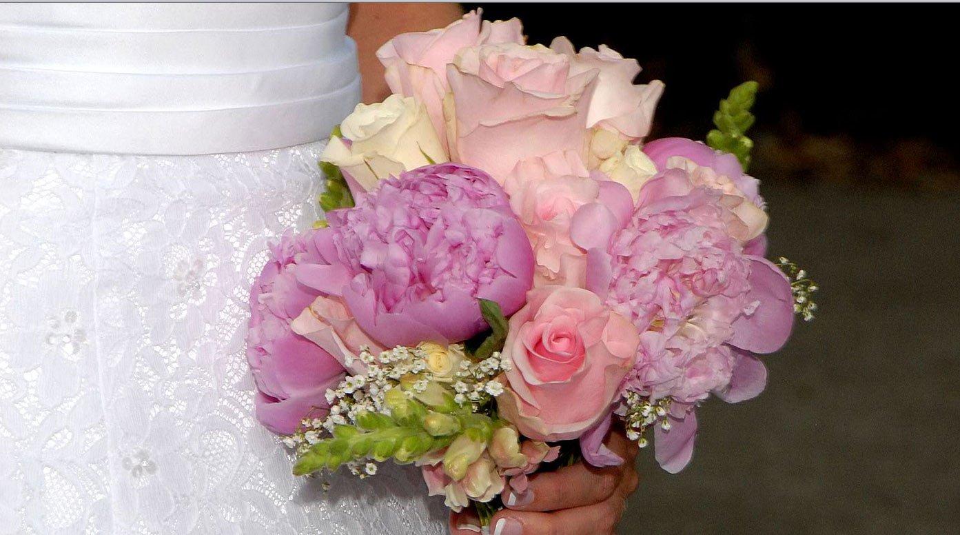 Букеты фаленопсиса, букеты для свадьбы донецк