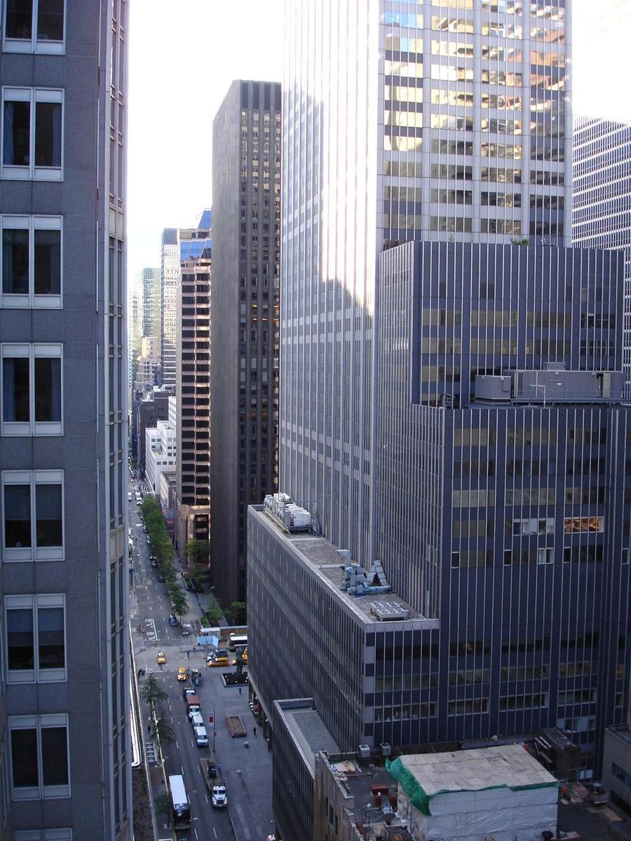 Free New York City, Midtown Manhattan, May 2006 Stock
