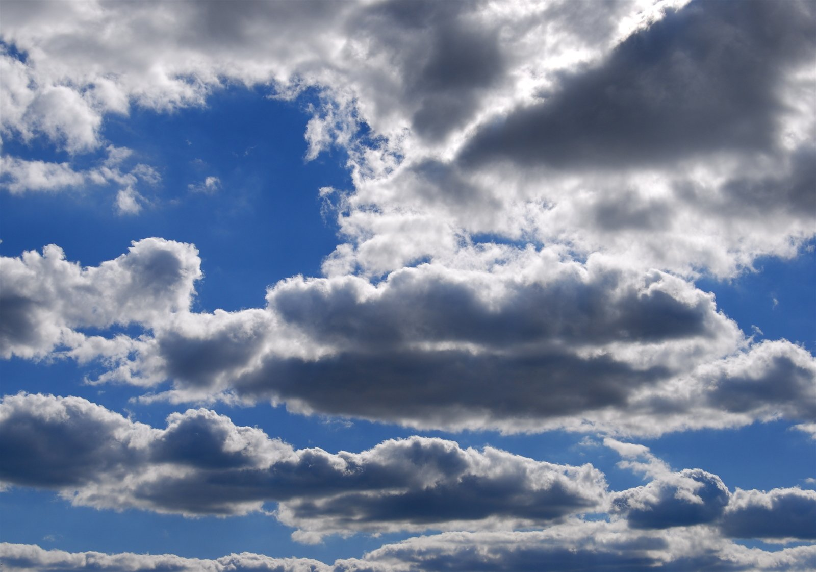 Free Partly cloudy Stock Photo - FreeImages.com