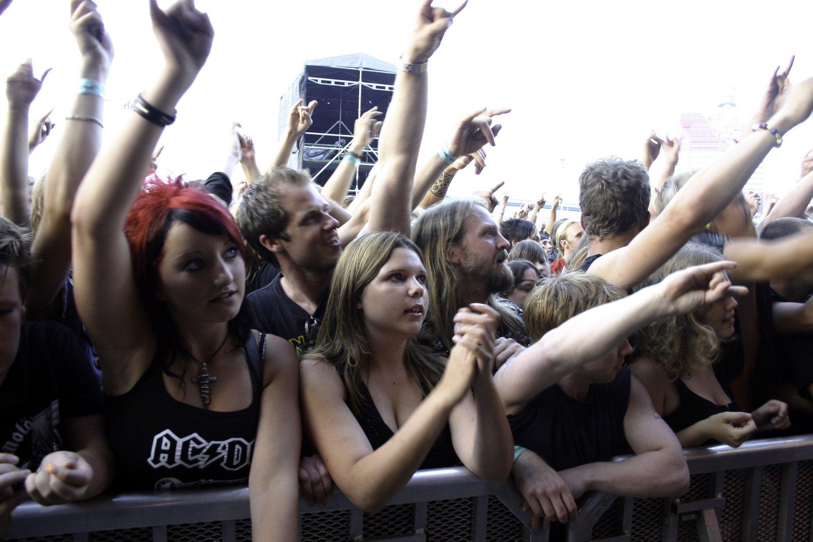Смотреть групповуху толпа, эротические фото секс разнообразный женщин и мужчин