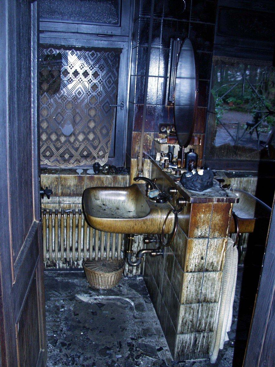 Free burned washroom stock photo for Washroom photo