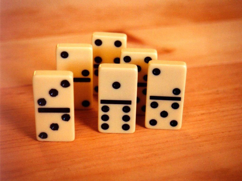 Free dominoes stock photo for Fichas de domino