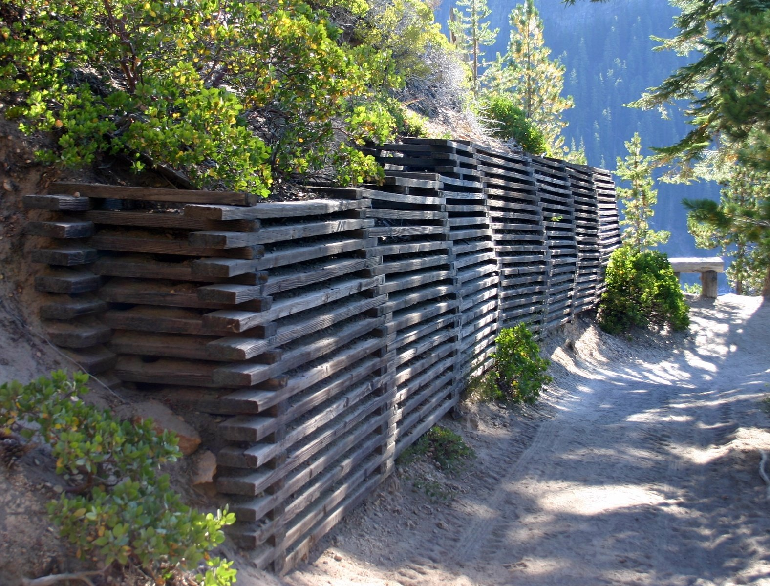 Free muro de contenci n de madera stock photo - Muro de madera ...