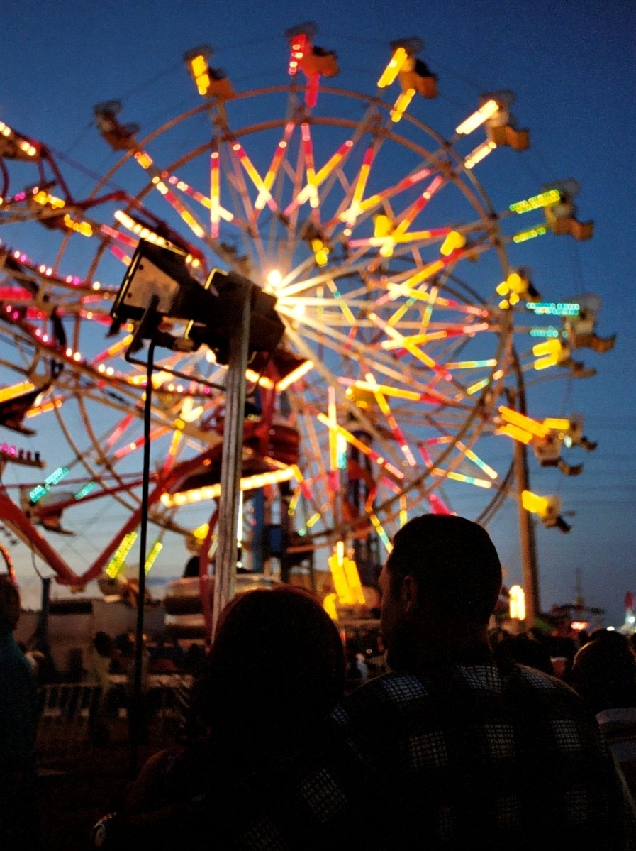 Free Couple At Ferris Wheel Stock Photo Freeimages Com