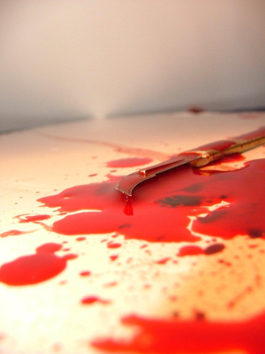 Картинка рука с кровью