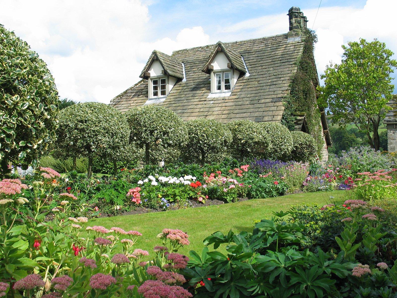 Country gardens wallpaper - English Country Garden