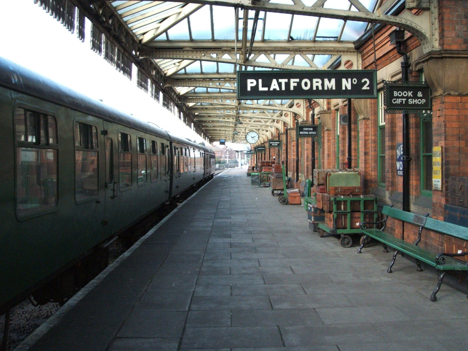 free train platform images pictures and royalty free stock