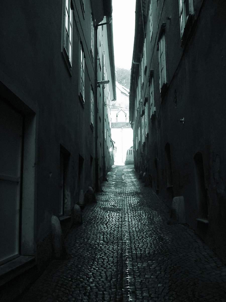 Free rue sombre en slov nie stock photo - Dessin sombre ...