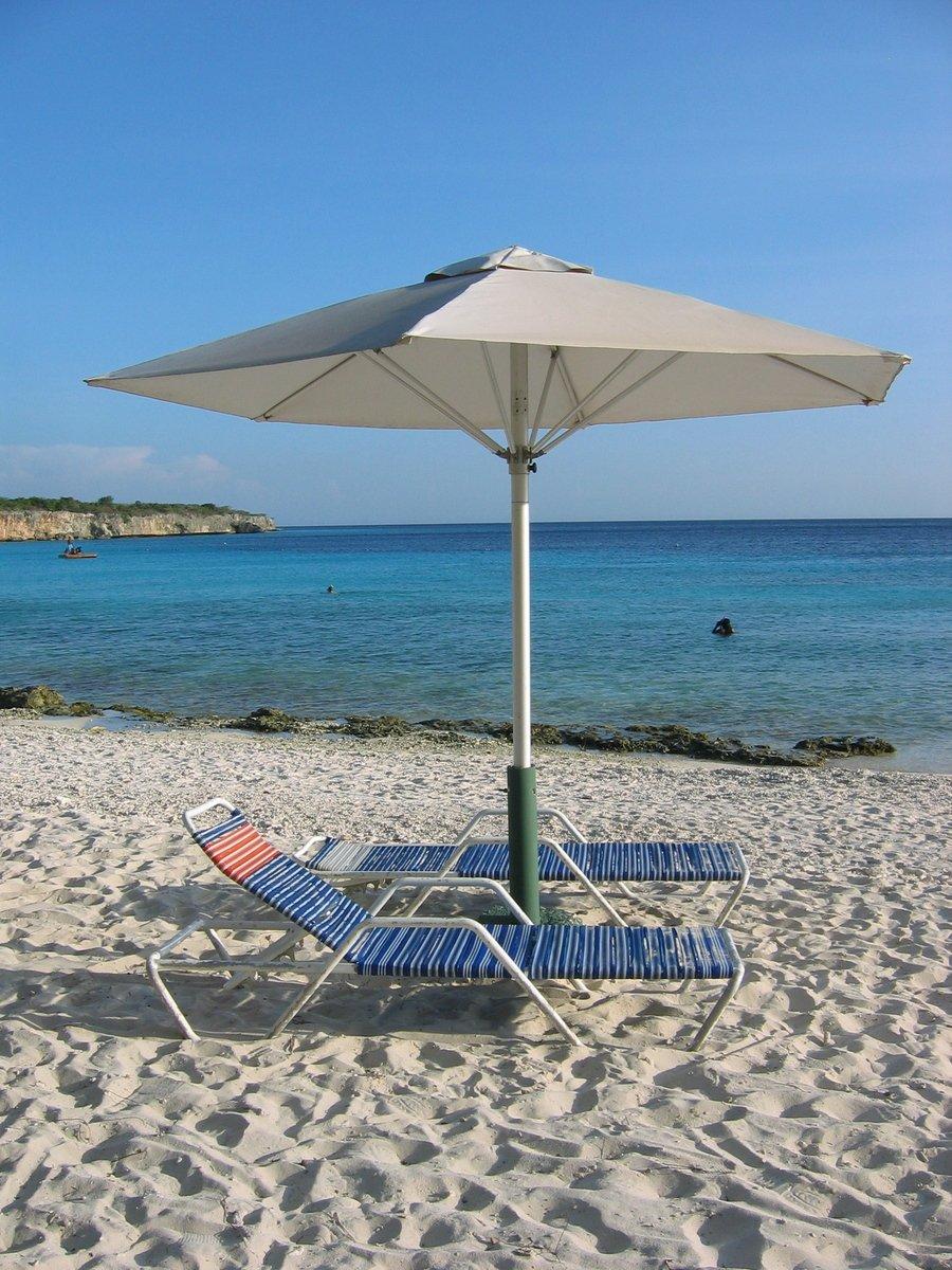 guarda sol personalizado na praia
