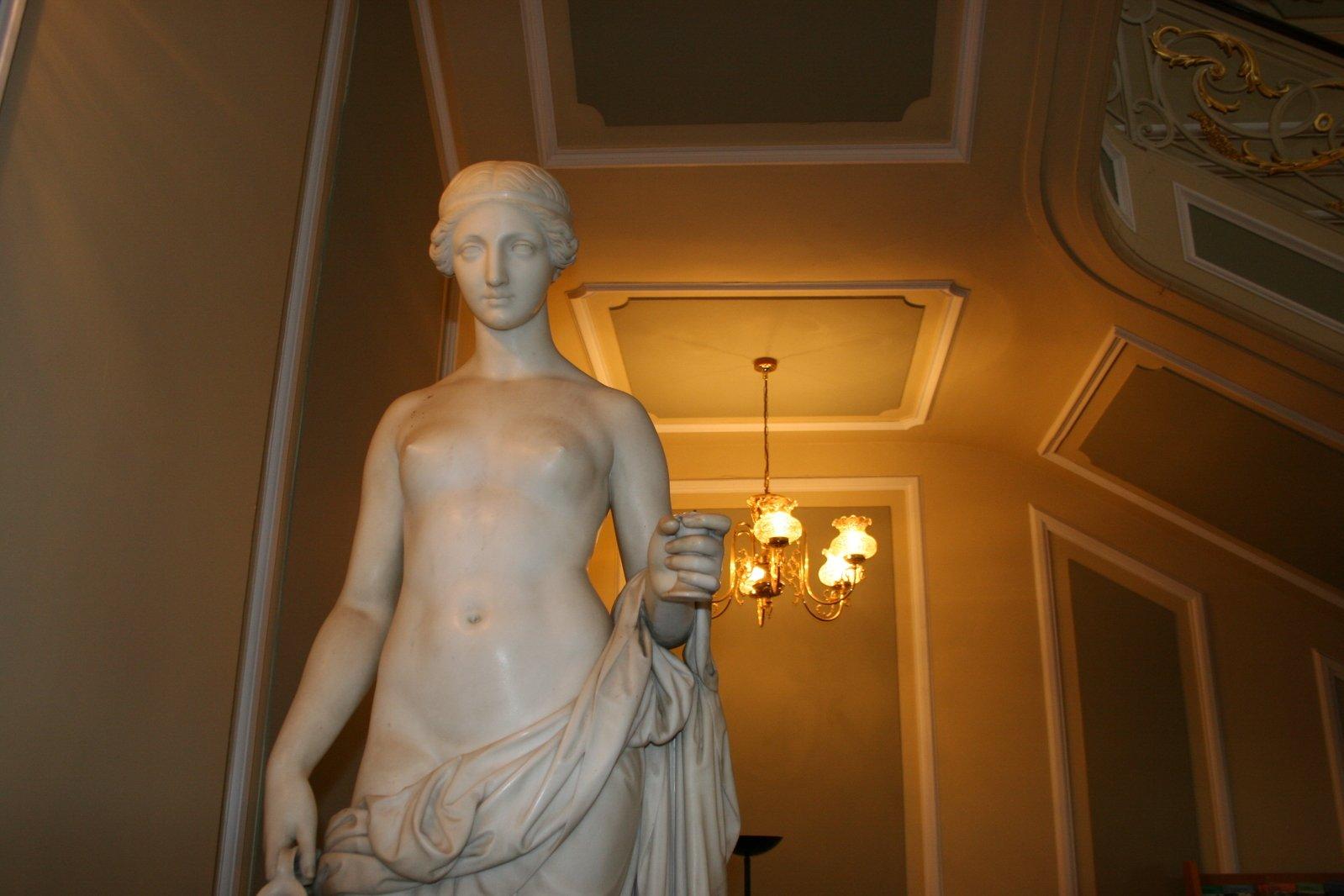 Statue,statue,ornament,internal