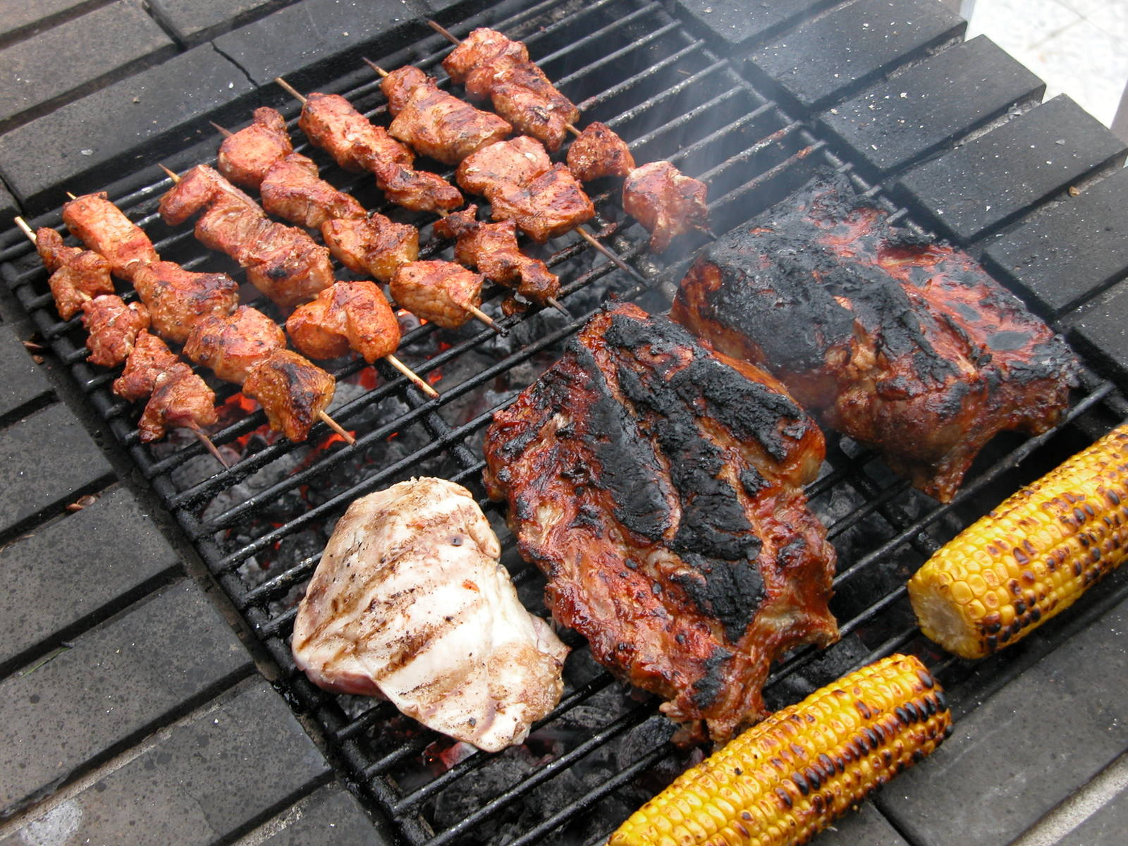 grill 1471974 - 7 Grilling Essentials Every Cook Should Know