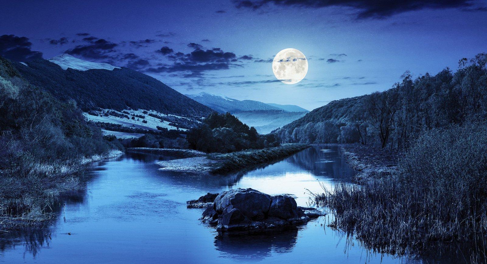 Moon, Poetry