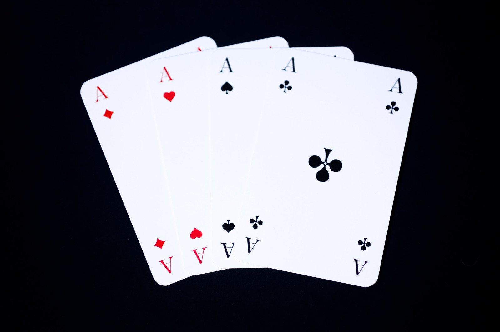 4 immagini 1 parola dadi roulette carte