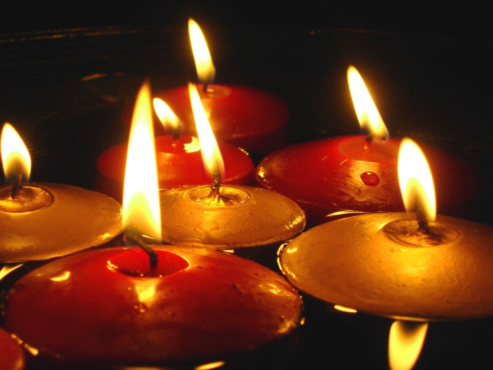Free candele galleggianti stock photo freeimages