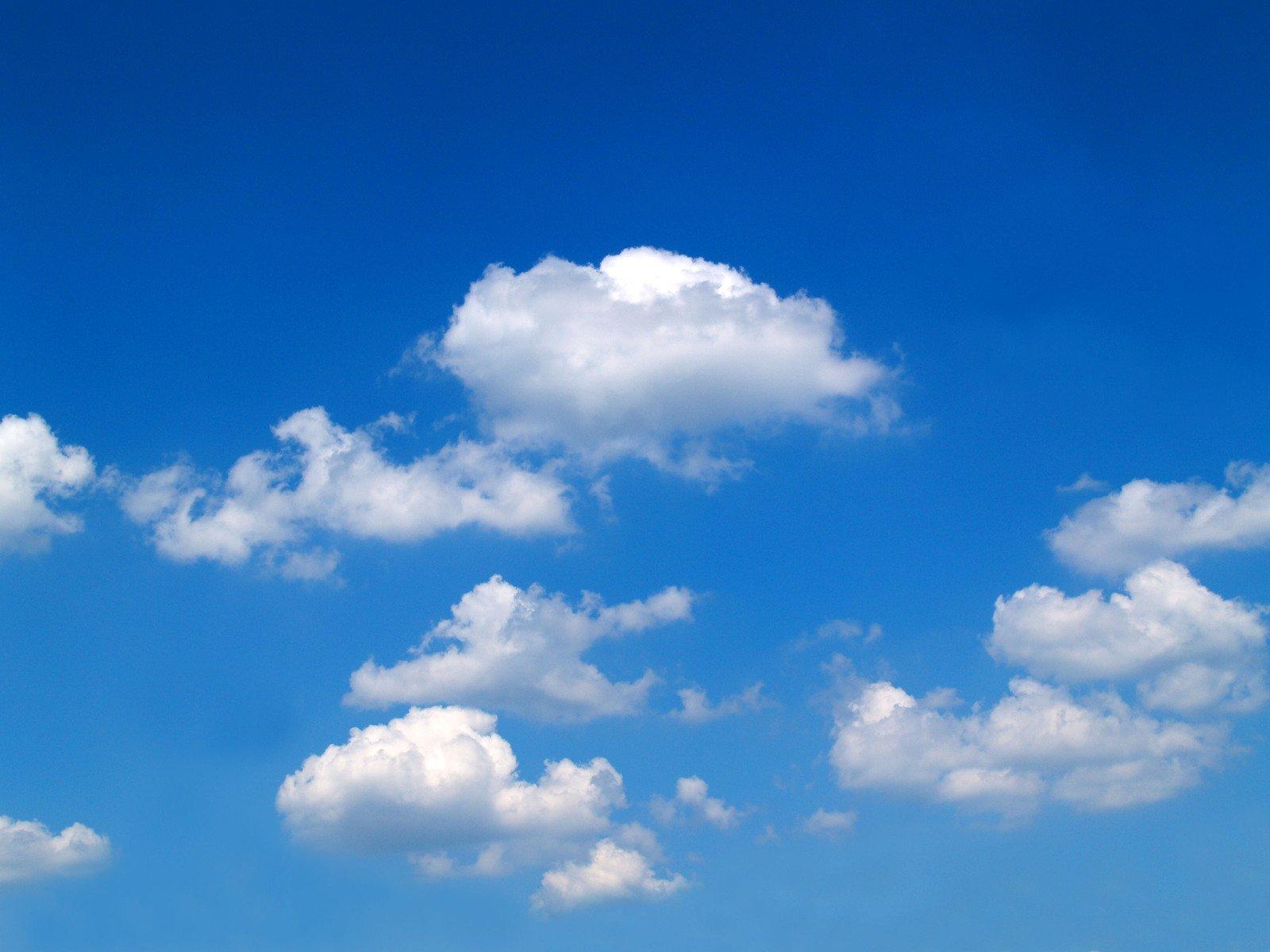Blue Sky With Clouds Wallpaper 56 Images: Free Nuvens Brancas No Céu Azul Stock Photo