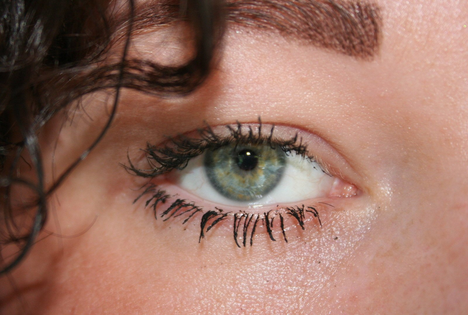 always eyes -3