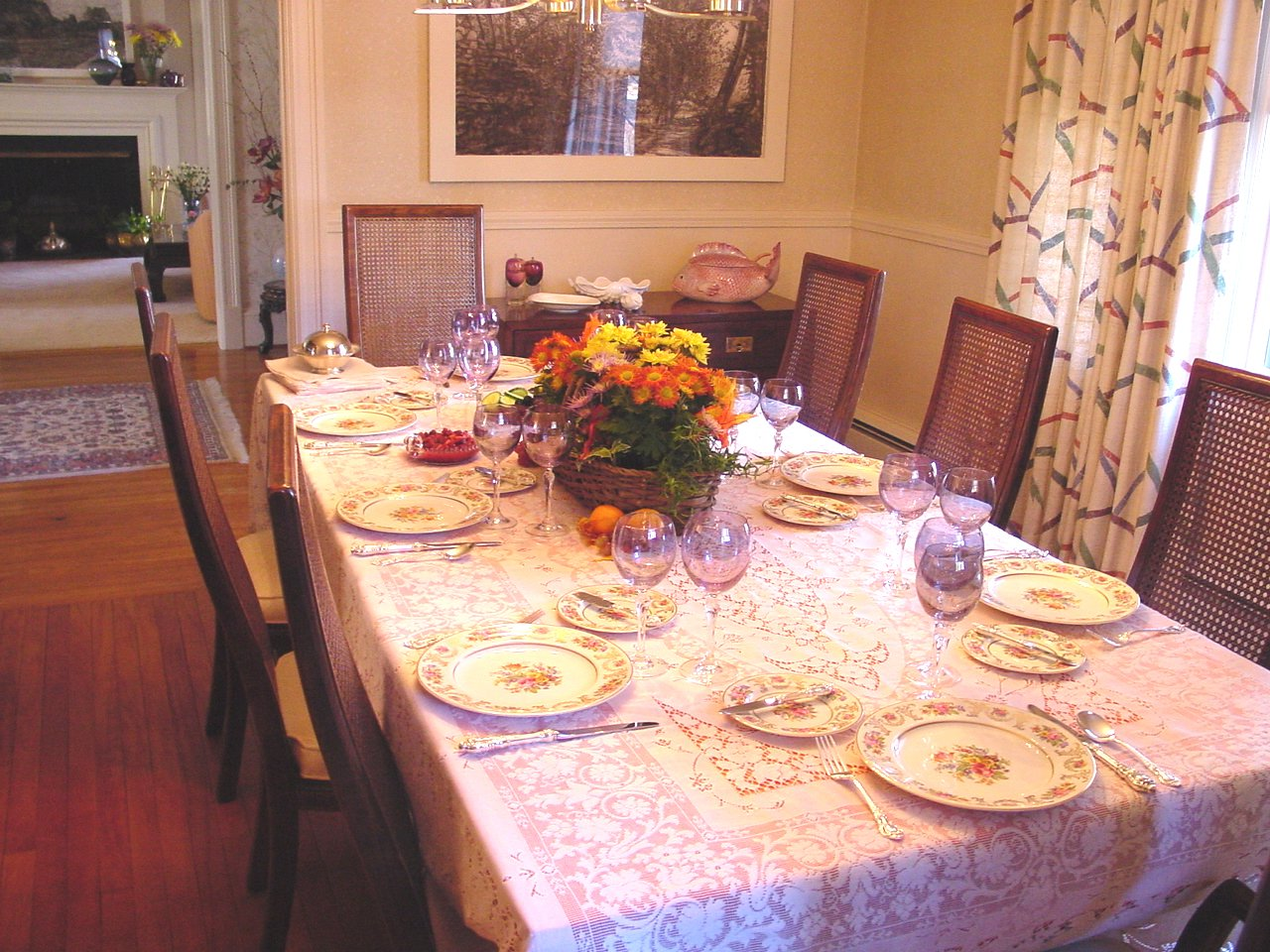 Thanksgiving Dining Room Table