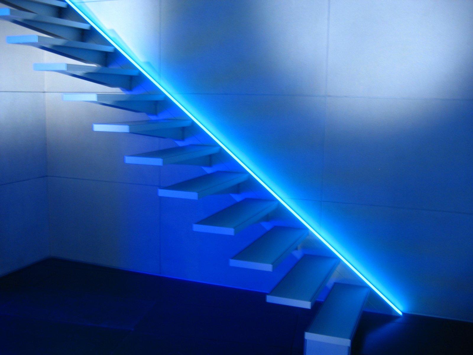 представленные картинки в барнауле светящиеся лестницы на гору летнего сада