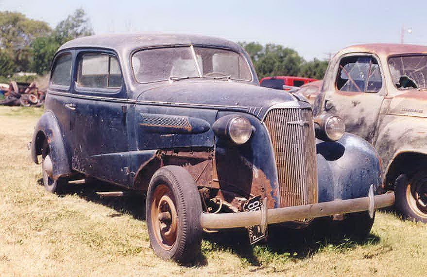 Free Cars & Trucks in Junkyards 4 Stock Photo - FreeImages.com
