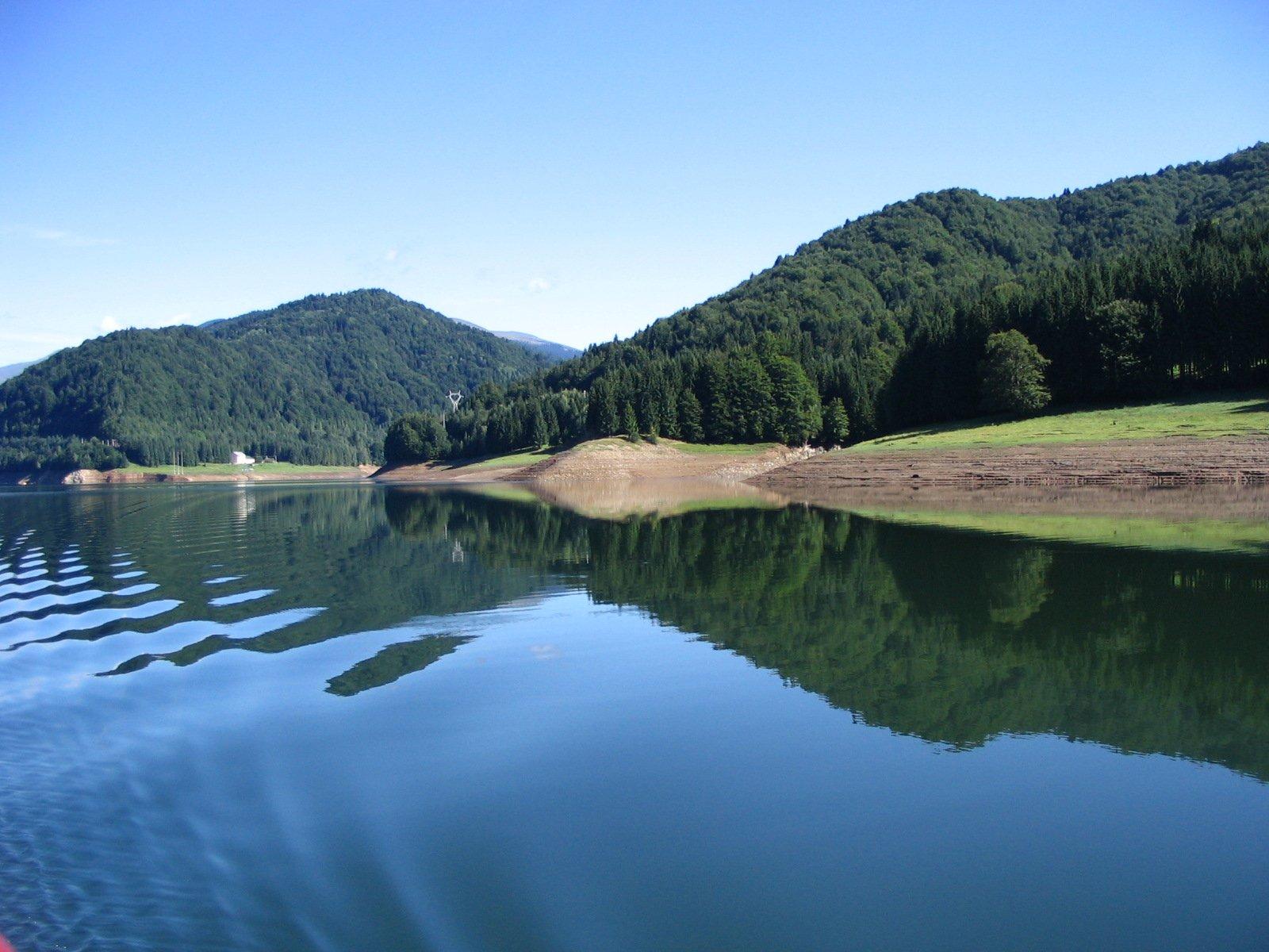 Vidraru Lake 2