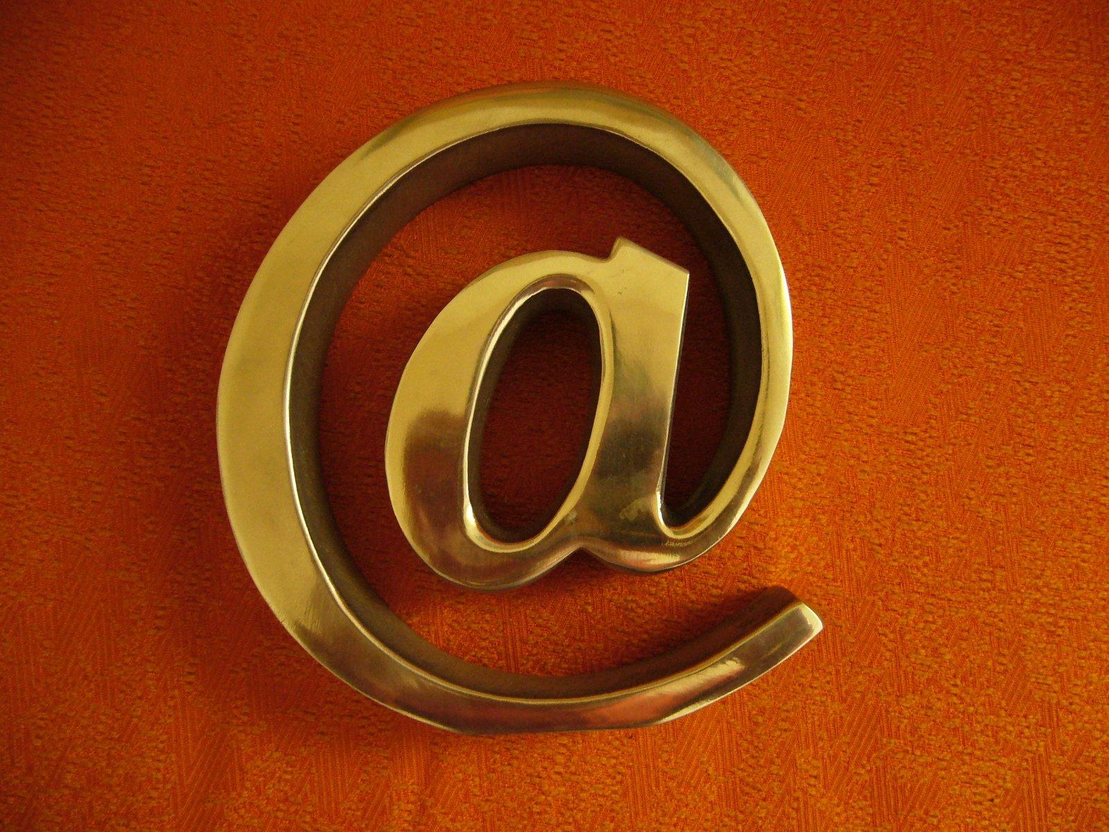 ¿Por Qué Es Bueno Para Tu Empresa Tener Una Dirección Comercial de Email?