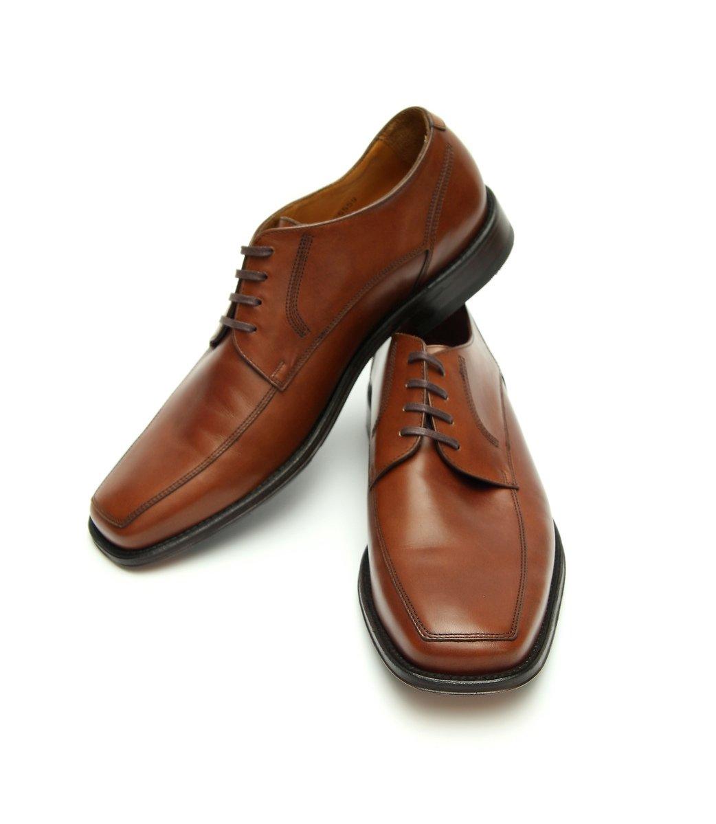 Men White Shoes Vancouver