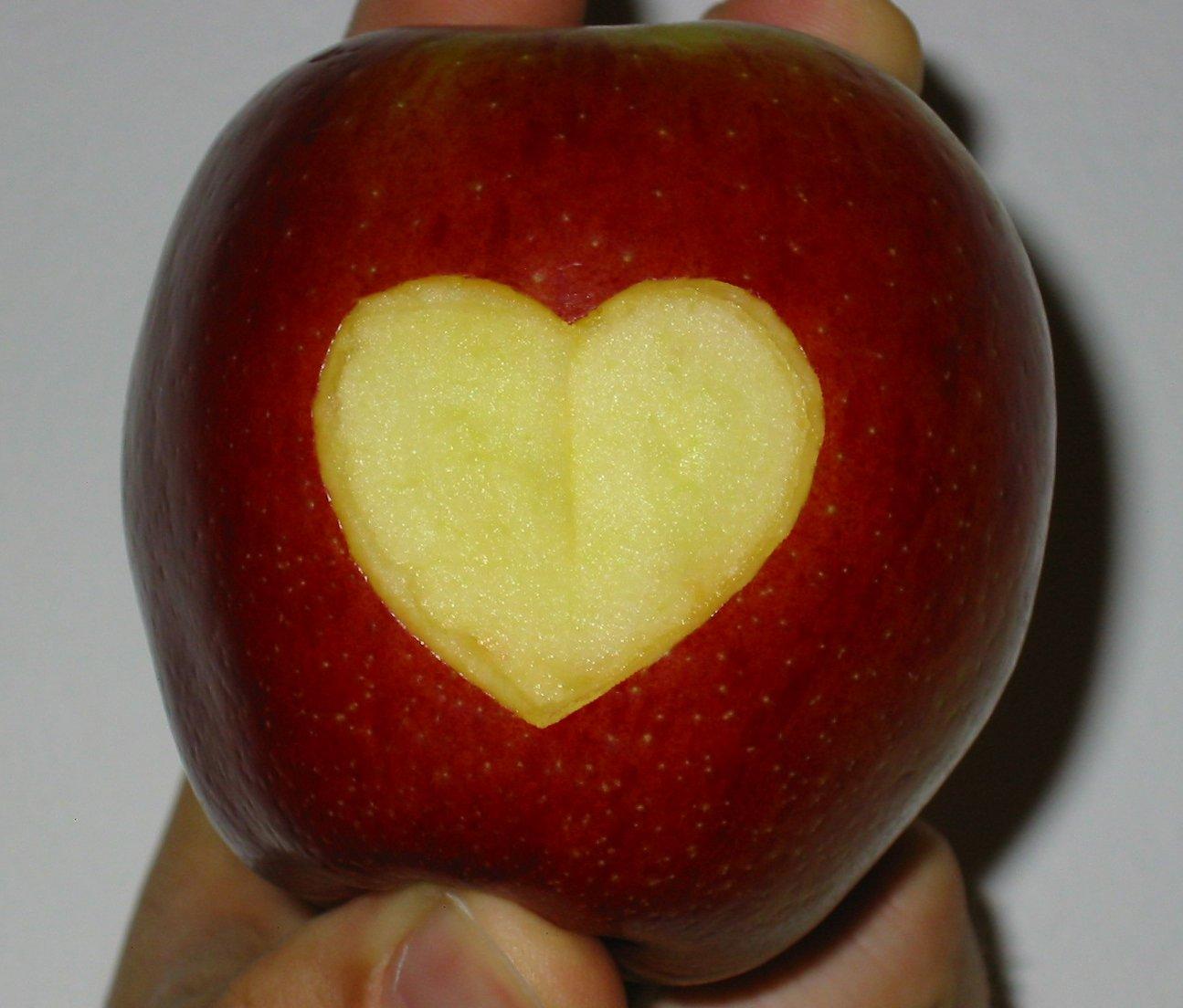 на любви знакомства яблоке