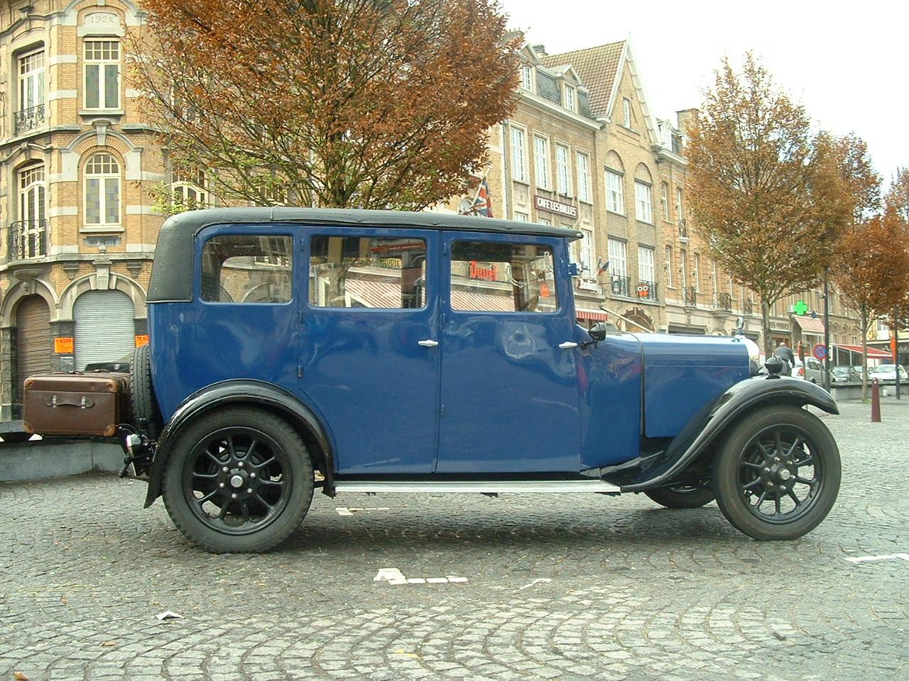Vintage Ϲar in Ypres Square 1