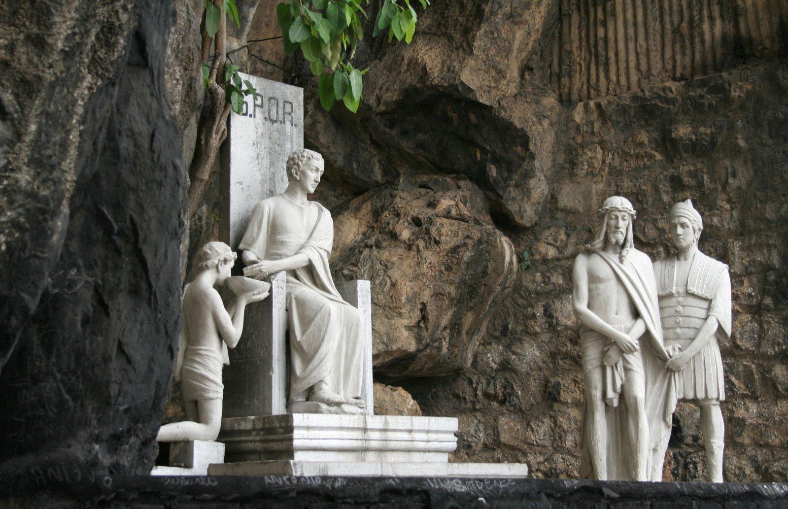 estatuas en Santuario