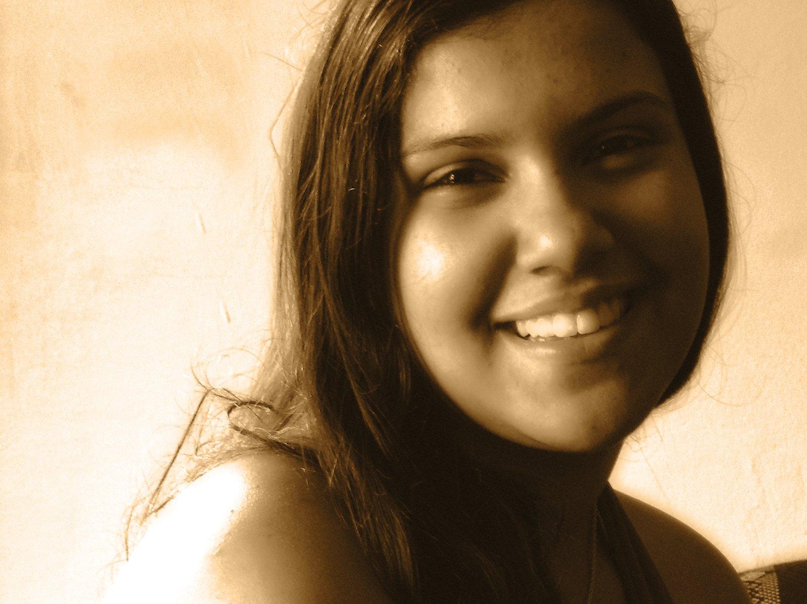 Стих девушка улыбается