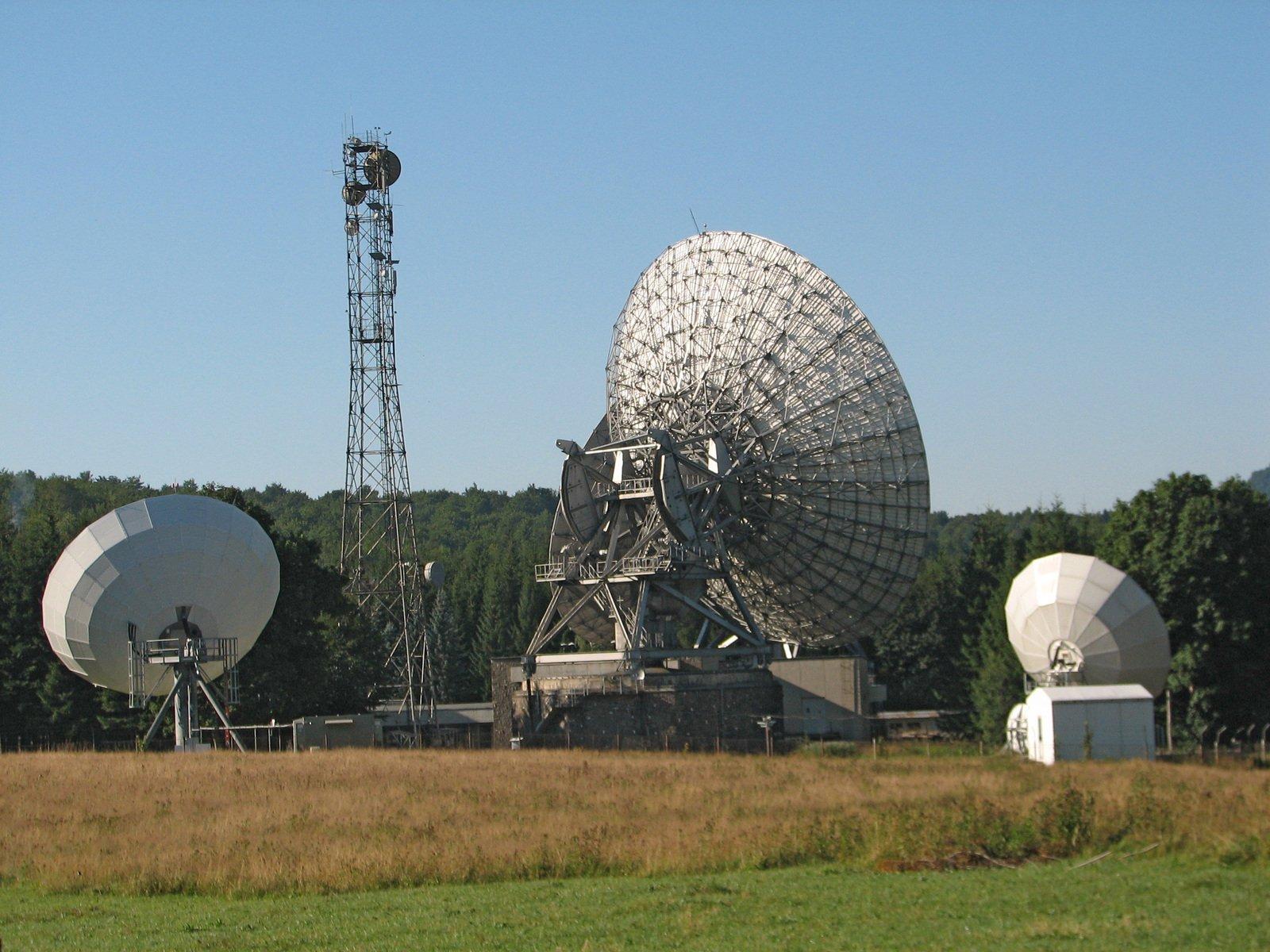antenna,communication,telecommunication,wave
