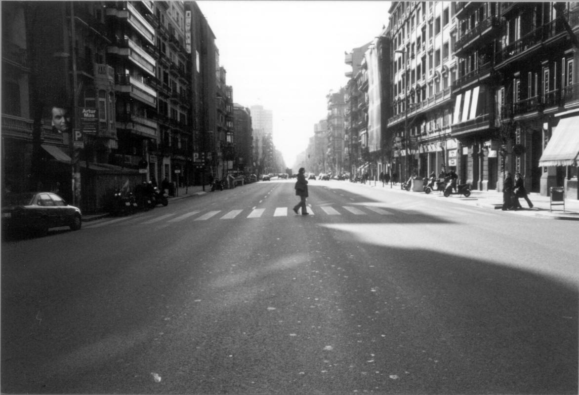 cruzar l'avenida