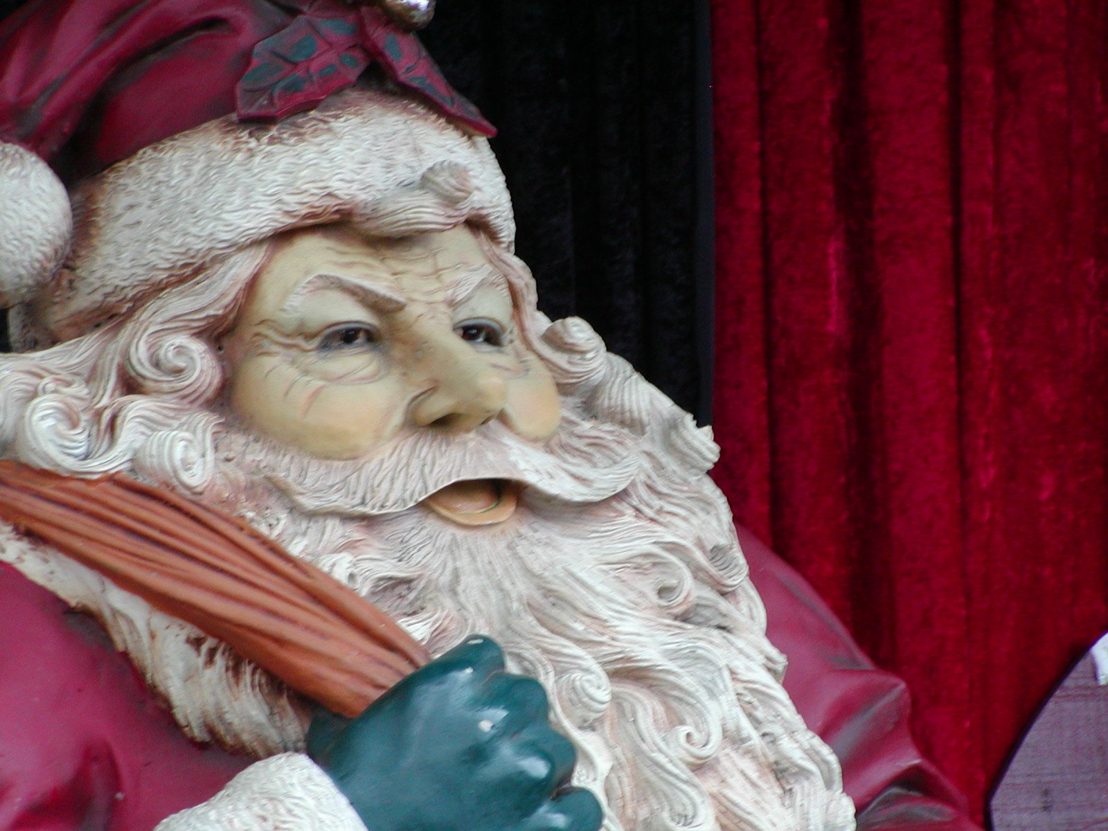 Free santa claus statue stock photo freeimages