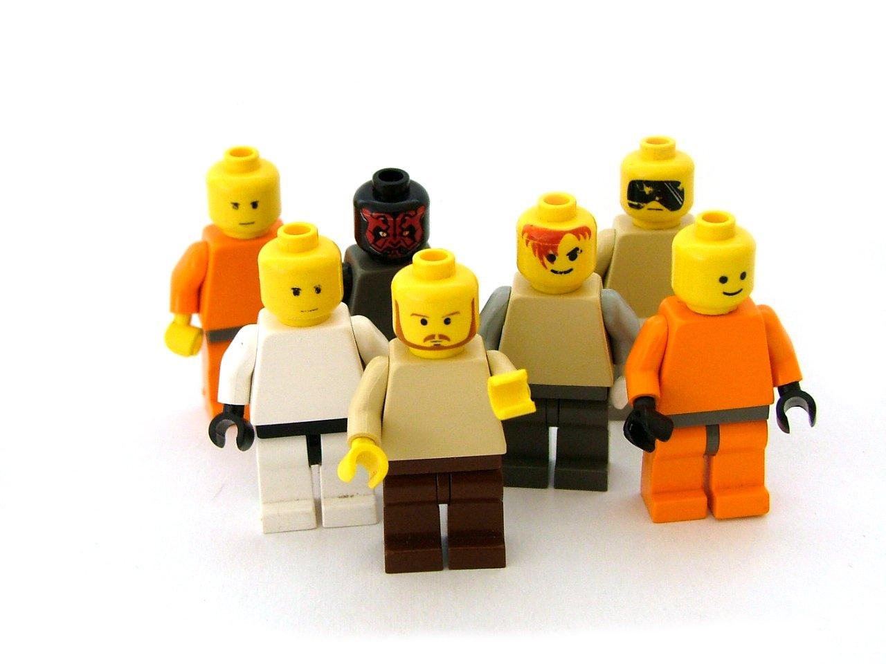 Картинки разных лего человечков