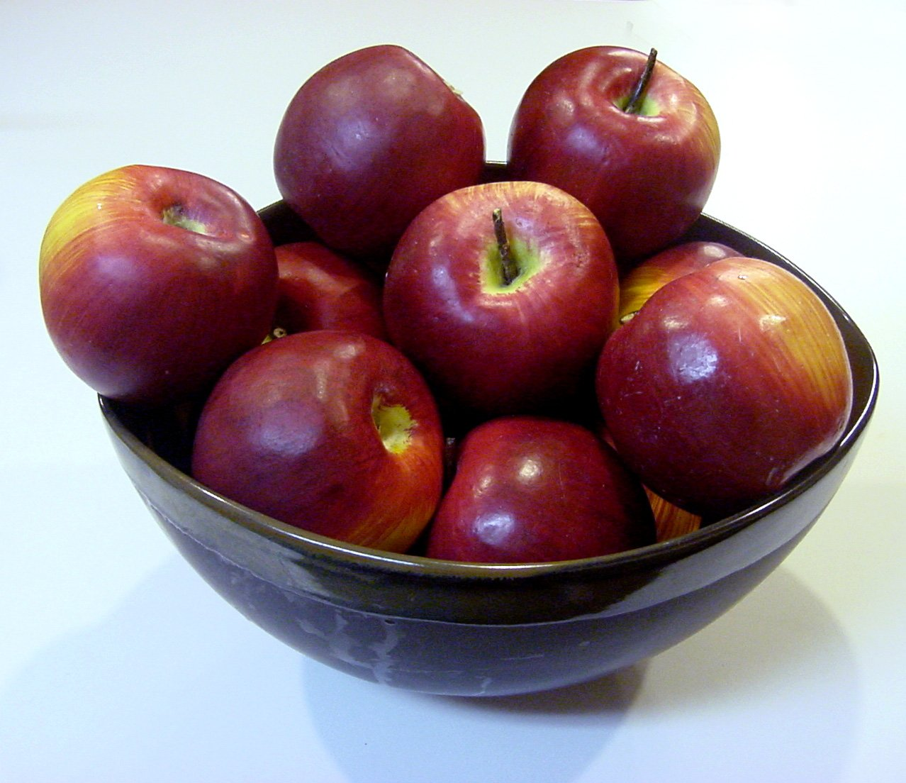 apples eat themselves law 421 2018 new year resolution: eat more apples the holidays are coming to a close  leftover turkey sandwiches are that of the past, and empty.