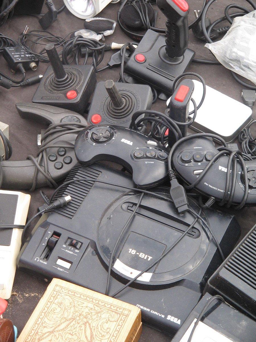Free ancienne console de jeux stock photo for Console de jeux