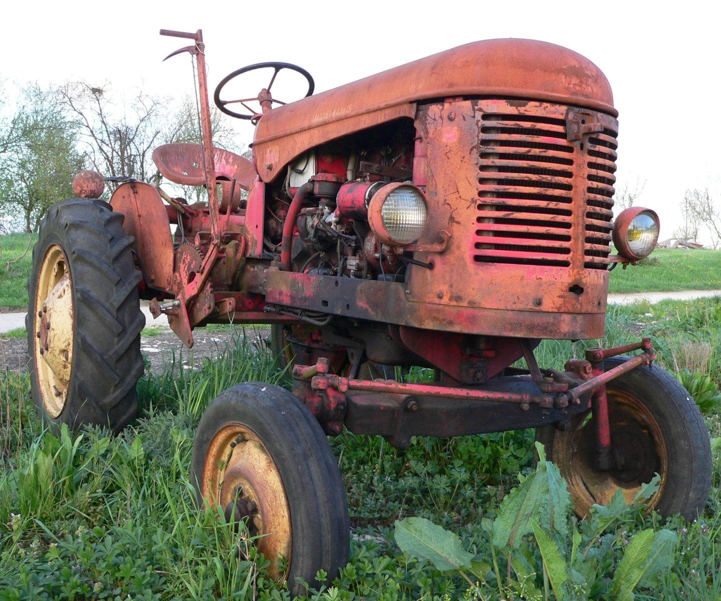 Resultado de imagen para tractor viejo