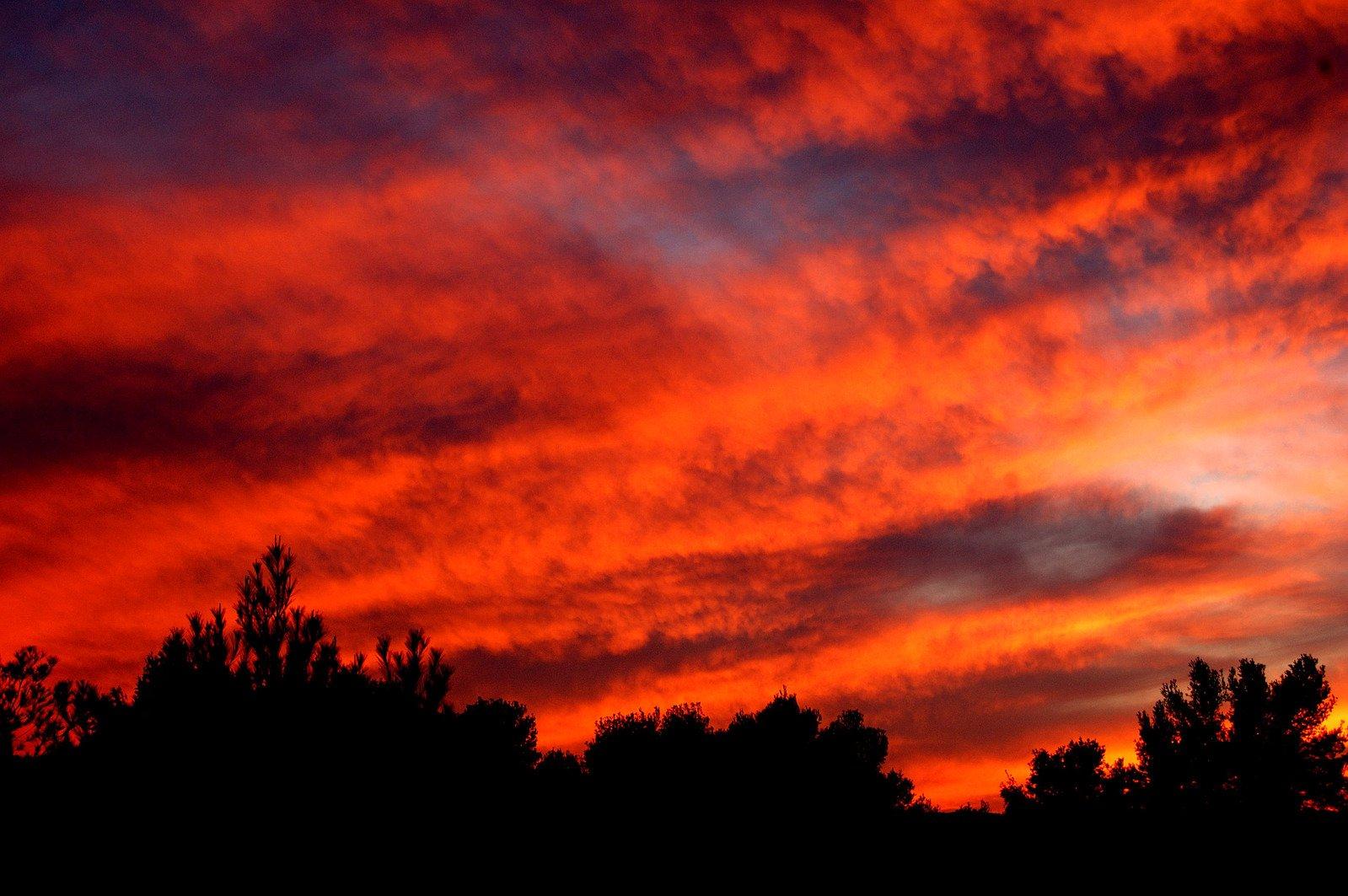 Cielo Rosso Di Notte.Free Cielo Rosso Di Notte Stock Photo Freeimages Com