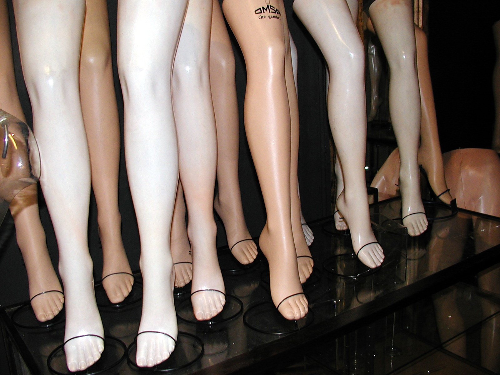 Mannequins leg