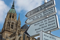 signposting in Bayeux