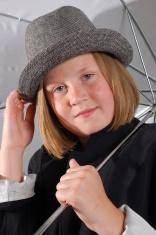 girl under umbrela
