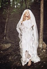 Bride in solitude