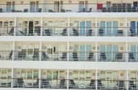 Lateral decks on the sea liner