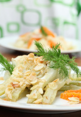 Baked fennel with almonds