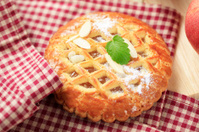 Small apple pie