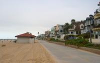 Manhattan Beach walkway