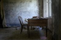 Old desk - HDR