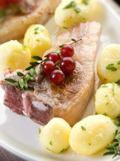 lamb rib with redcurrant and potatoes