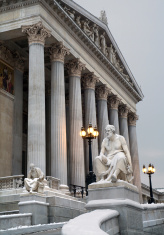 Vienna - Thucidides statue and parliament